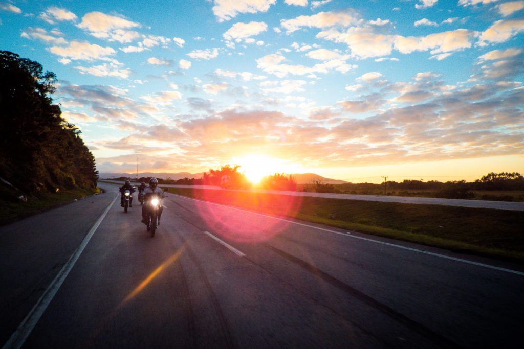 Rouler la nuit en moto